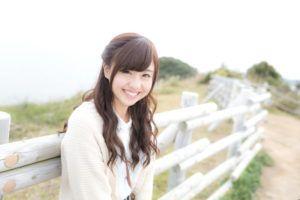笑顔がかわいい女性の写真