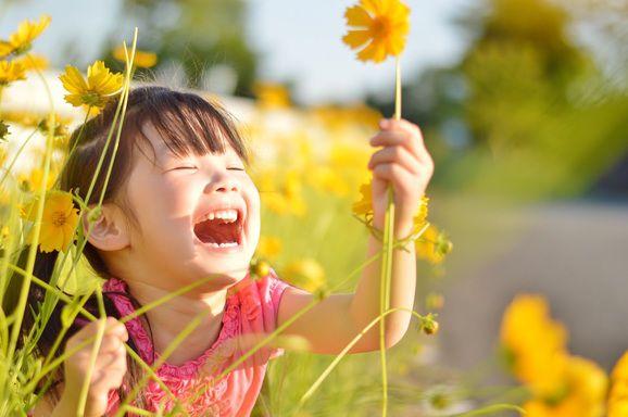 優しい笑顔の写真